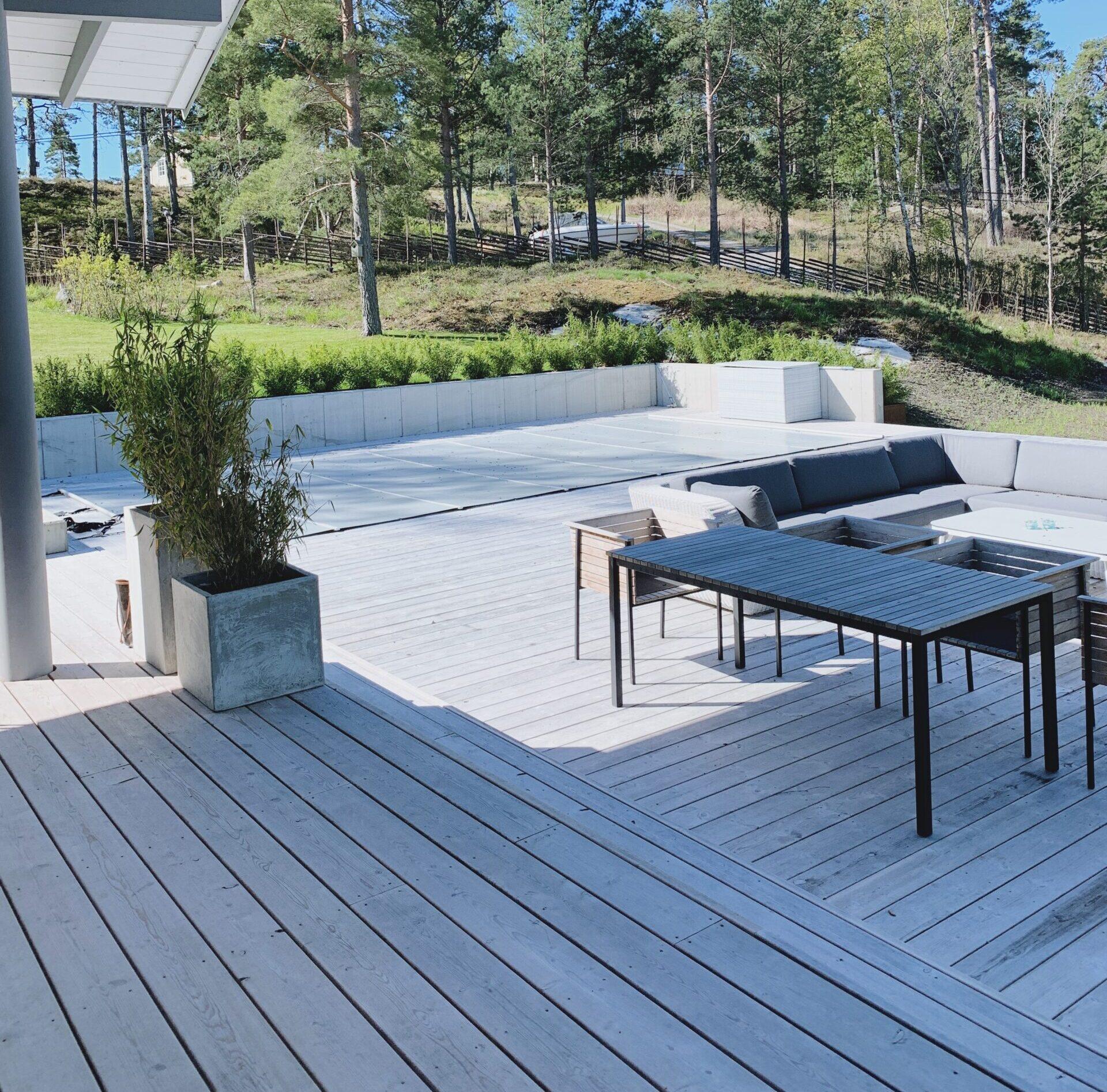 Bild av trädgård före design och anläggning